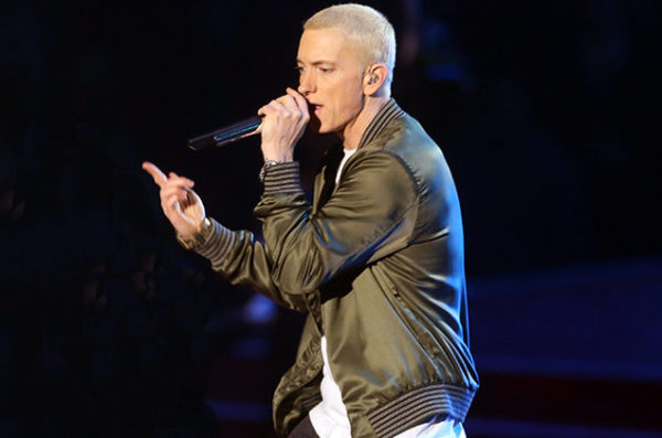 eminem-performance-2014-blond-billboard-650