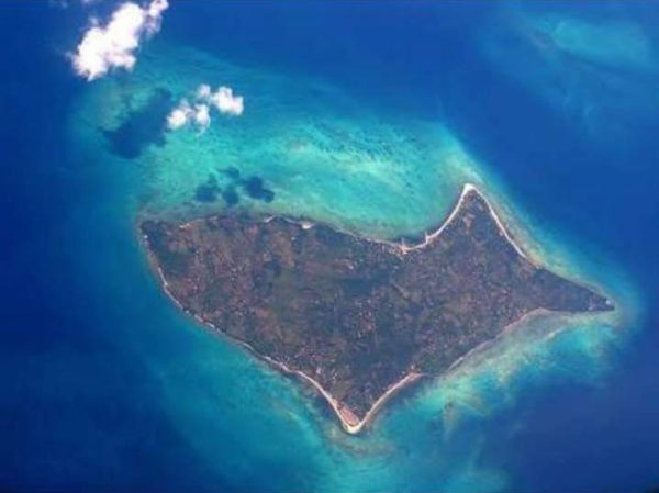 Beach Resort in Maniwaya, Marinduque (Marikit-na)